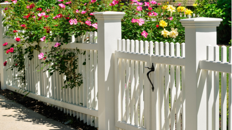 The proper way to clean a vinyl fence